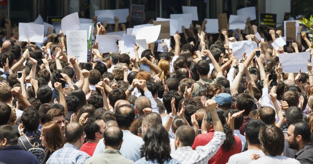5 Momentos importantes na luta pela democracia - Significados
